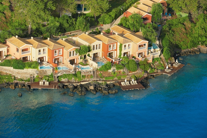 06-Aristocratic-palazzos-and-villas-on-the-waterfront