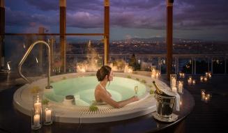 Jacuzzi_Penthouse Suite